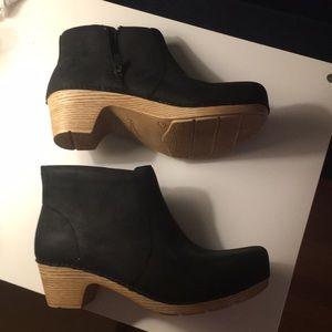 NWOT EU40 Dansko Black Maria Ankle Boots